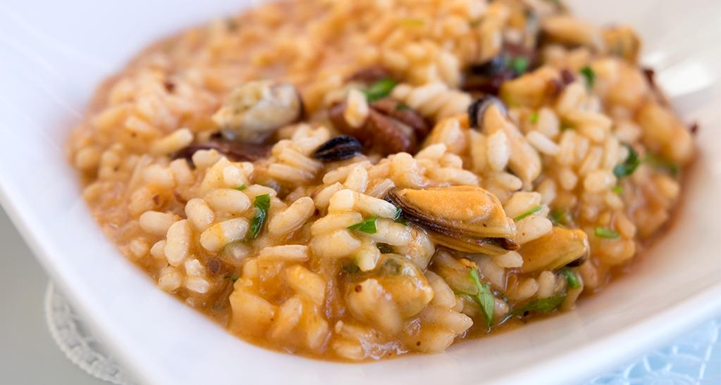 arroz caldoso con marisco, de mejillones y pulpo