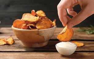 chips de boniato con crema agria